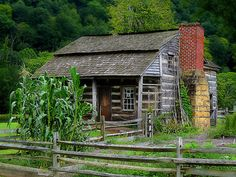 1800s log cabin in West Virginia❤️❤️❤️❤️