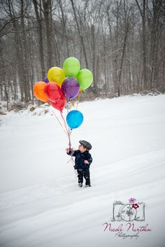 First birthday photo, winter, ballons, snow