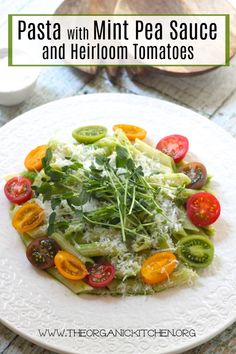 Pasta with Mint Pea Sauce and Heirloom Tomatoes ~ My Favorite Restaurants Series Part 3 Easy Dinner Recipes, Pasta Recipes, Real Food Recipes, Salad Recipes, Healthy Recipes, Lunch Recipes, Free Recipes, Thing 1, Vegetable Seasoning