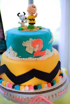 Mães Brasileiras aniversário: Snoopy e Charlie Brown - Bolo