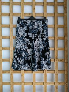 Skirts For Sale, Grey And Beige, Floral Prints, Size 12, Ebay, Floral Patterns, Flower Prints