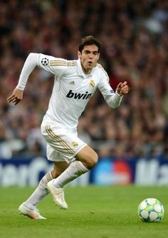 Kaka to make loan switch from Real Madrid to Manchester United