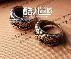 Wholesales!2017 Fashion retro European and American popular retro big snake embossed three-dimensional ring ring Free Shipping!