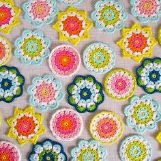 Color 'n Cream Freeform Crochet, Crochet Motif, Crochet Designs, Crochet Yarn, Crochet Patterns, Crochet Home, Love Crochet, Crochet Crafts, Crochet Flowers