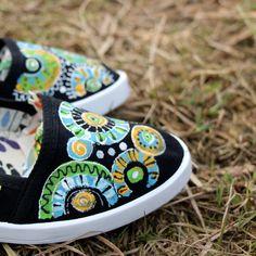 Mandalkové-černá-vel.35-40+na+obj.+Ručně+malované+bavlněné+botičky...+jedinečné+a+nepřehlédnutelné.+Malovány+ručně+kvalitními+barvami+na+textil+Dámské+pohodlné+baleríny+mají+jednoduchý+a+elegantnístřih.+Díky+kvalitnímu+materiálu+jsou+prodyšné,+lehké,+odolné+a+hodně+praktické,+jsou+vyrobeny+ze+100%+z+bavlny.+Nohy+Vás+v+nich+zaručeně+bolet+ani+tížit...