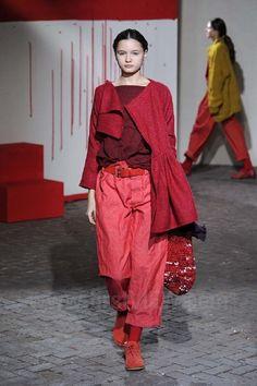 Daniela Gregis - Ready-to-Wear - Runway Collection - Women  Fall / Winter 2012