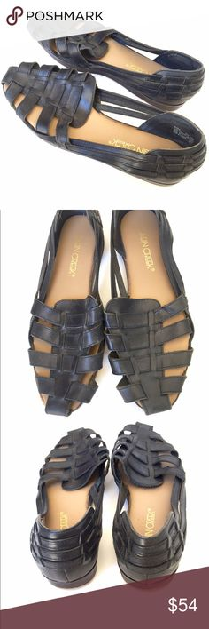 Black classic Cabin Creek sandals Black classic Cabin Creek sandals has been worn just a little bit still in perfect condition percent genuine leather these are classics you can't find these nowhere Cabin creek Shoes Sandals