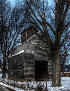 .old weathered barn