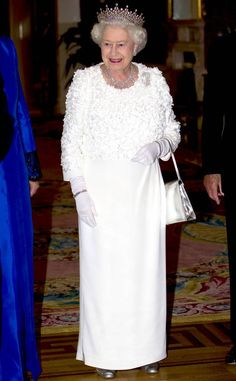 2011 from Queen Elizabeth II's Royal Style Through the Years Her Royal Highness stepped out in another white confection while attending a state banquet in Dublin, Ireland. Royals Today, Royal Films, Queen Hat, Princess Dress Up, Isabel Ii, Her Majesty The Queen, Queen Of England, Queen Mother, Princess Margaret