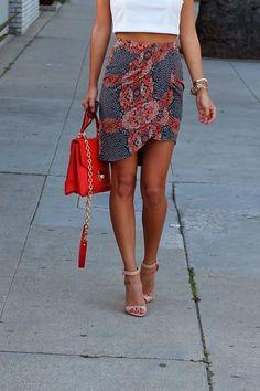 skirt.  hmmm.... asymmetrical.  nice.  might be fairly easy...
