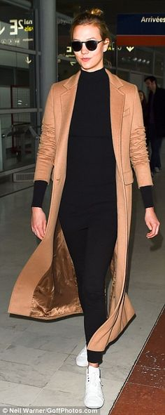 Karlie Kloss is the picture of sophistication in all-black ensemble #dailymail