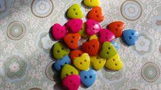 50 Bottoni in plastica semitrasparenti a due fori. Per Scrapbooking, Smash book e Card making. Abbellimenti / Embellishment buttons