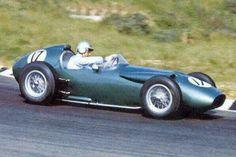 1960 Dutch GP, Zandvoort : Roy Salvadori, Aston Martin DBR4/250 L6 #17, David Brown Racing Dept, Qualifying. (ph: www.formula-fan.ru)