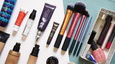 Sabes ¿ Cómo escoger un primer ? Aquí puedes ver cómo escoger un primer adecuado para tu tipo de piel, compatible para tu base de maquillaje e incluso pa...