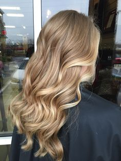 Are you going to balayage hair for the first time and know nothing about this technique? We've gathered everything you need to know about balayage, check! Honey Blonde Hair, Blonde Hair Looks, Natural Blonde Balayage, Golden Blonde Hair, Honey Blonde Highlights, Blonde Curls, Blonde On Blonde, Honey Golden Hair, Honey Colored Hair