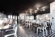 Paris New-York hamburger restaurant interior by Cut Architectures. Restaurant Hamburger, Burger Restaurant, Restaurant Concept, Restaurant Design, Restaurant Seating, New York Burger, Paris New York, White Interior Design, Café Interior