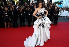 Aishwarya Rai de Ralph & Russo Couture - Cannes 2015