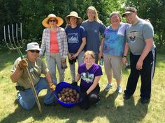 Now here's a great way to celebrate Earth Week! All are welcome to join Smart Farm of Barrington volunteers on Saturday as they clean up their community gardens for spring... http://wp.me/p1NGbX-11vq