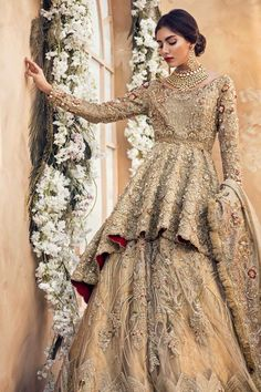 30 Stunning Pakistani Bridal Walima Dresses for Your Inspiration – Folder - Pakistani dresses Asian Bridal Dresses, Pakistani Wedding Outfits, Pakistani Bridal Dresses, Pakistani Wedding Dresses, Bridal Outfits, Indian Dresses, Pakistani Couture, Asian Bridal Wear, Pakistani Fashion Party Wear