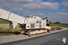 Armored Truck, Heavy Equipment, Crane, Military Vehicles, Html, Tractors, Trucks, Pictures, Baggers