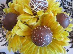 Cute sunflower cake pops