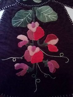 4th panel of table topper, Pink Sweet Peas
