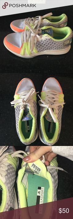 Stella McCartney Adidas sport shoes! Stella McCartney adidas sports running shoes! Size 8. Like new condition. Worn less than 5 times Adidas by Stella McCartney Shoes Sneakers