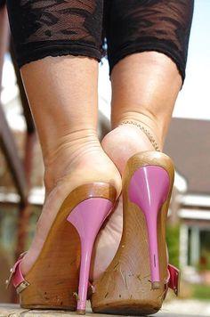 sexy women feet showing soles in sandals Nylons Heels, Stockings Heels, Stiletto Heels, Sexy Legs And Heels, Hot High Heels, Beautiful High Heels, Sexy Toes, Female Feet, Women's Feet
