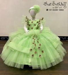 Baby Girl Dress Patterns, Baby Girl Dresses, Baby Dress, Flower Girl Dresses, First Birthday Dresses, First Birthday Photos, Girl Birthday, Balloons Photography, Cake Smash Photography