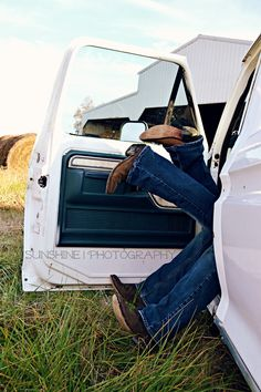 cute engagement pic i would do it with his mustang or the truck