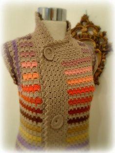 Chaleco largo tejido a crochet