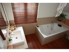 malá koupelna tipy - Hledat Googlem Corner Bathtub, Bathroom, Home, Bath Room, Ad Home, Bathrooms, Homes, Bath, House