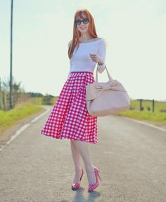 Love the polka dot shoes with the matching gingham skirt!and the bow bag. Uk Fashion, Modest Fashion, Skirt Fashion, Fashion Dresses, Womens Fashion, Curvy Fashion, Fall Fashion, Fashion Shoes, Fashion Tips