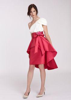 blusa-asimetrica-con-falda-de-coctel-fucsia (494×700)