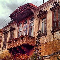 Lebanese old architecture .