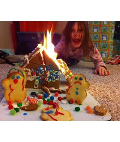 12 Gingerbread House Fails - The Roof is on Fire!!!!