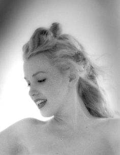 Marilyn Monroe photographed by Andre De Dienes, 1949