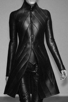 gareth pugh - black leather coat with chevron detail Mode Cyberpunk, Cyberpunk Fashion, Dystopian Fashion, Gareth Pugh, Dark Fashion, Leather Fashion, Steampunk Fashion, Gothic Fashion, Style Work