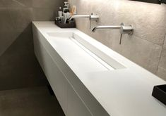 Lavabo Corian, Home And Deco, Decoration, Modern Design, Sink, New Homes, Bathtub, House Design, Solid Surface