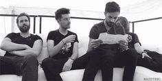 I NEVER NOTICED KYLES PUTTING HIS HAND ON DANS LEG