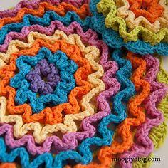 Ravelry: Wiggle It Crochet Trivet and Dishcloth Set pattern by Tamara Kelly