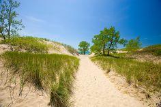 Sandy beach of Lake Ontario in Sandbanks Provincial Park, Prince Edward County, Ontario, Canada
