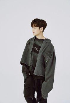 Yg Groups, Chanwoo Ikon, Boys Over Flowers, Lee Min Ho, Yg Entertainment, South Korean Boy Band, Other People, Boy Bands, Rain Jacket