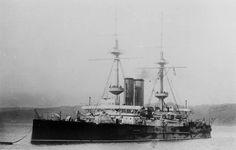 Pre-dreadnought Battleship | HMS Ocean was typical of pre-dreadnought battleships.