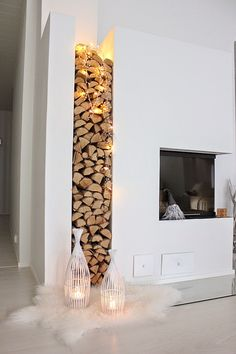 modelos de #chimeneas y leñeros si queréis decorar y contar con una en #casa.
