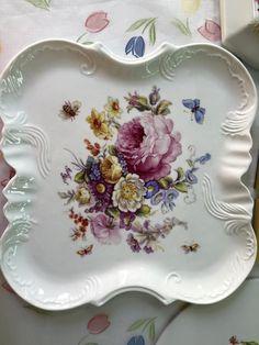 Tácek * bílý porcelán ručně malovaný květinami * Míšeň.