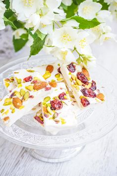 turkish delight with cranberries , almonds and pistachios Pistachios, Almonds, Turkish Delight, Cranberries, Camembert Cheese, Sweets, Food, Pistachio, Good Stocking Stuffers