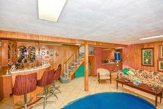Personne n'avait vécu dans cette maison depuis 1956. Mais quand il est entré à l'intérieur, il a découvert quelque chose de fou !