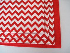 Red Chevron Placemats Set of 4 or 8 by tracystreasuresri on Etsy