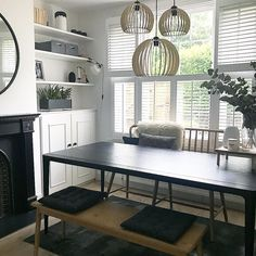 Pendant Lighting Over Dining Table, Dining Room Lighting, Wire Pendant Light, Pendant Lights, Interior Design Living Room, New Homes, Pendants, Beautiful, Lounge Ideas